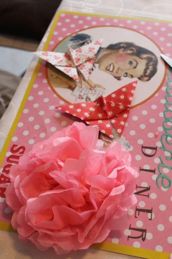 création fleur en papier de soie