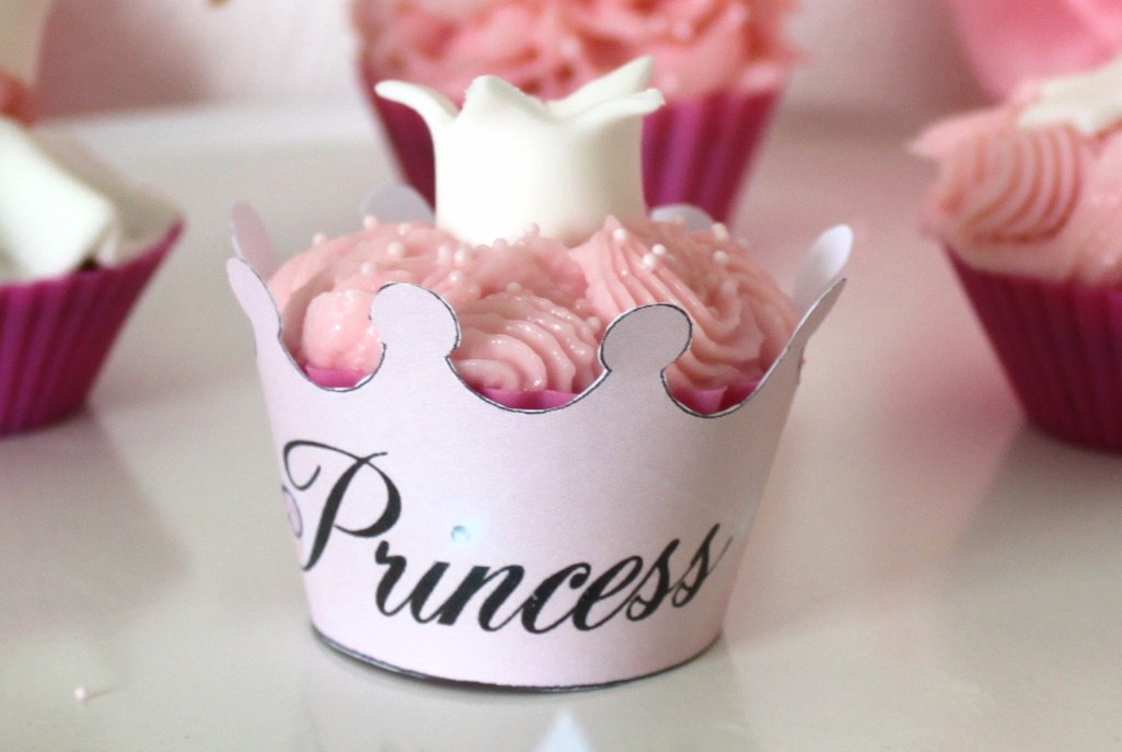 Organiser un anniversaire de princesse la fabricamania - Deco pour cupcake ...