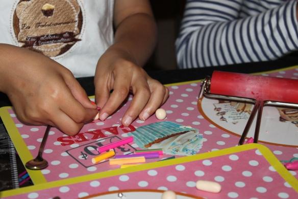 fête-Atelier-anniversaire-fimo-bijoux-gourmands-enfants-gironde-bordeaux