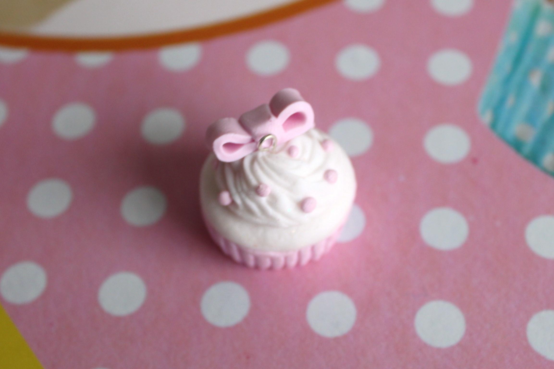 Diy cr er un cupcake en p te fimo la fabricamania - Que faire en pate fimo ...