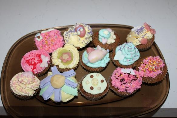 Cours de cuisine pour un anniversaire cr ation cupcakes la fabricamania - Cours de cuisine pour jeunes ...
