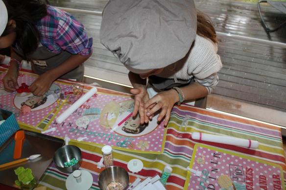 fête d'anniversaire en gironde-atelier cupcakes-la fabricamania lacanau