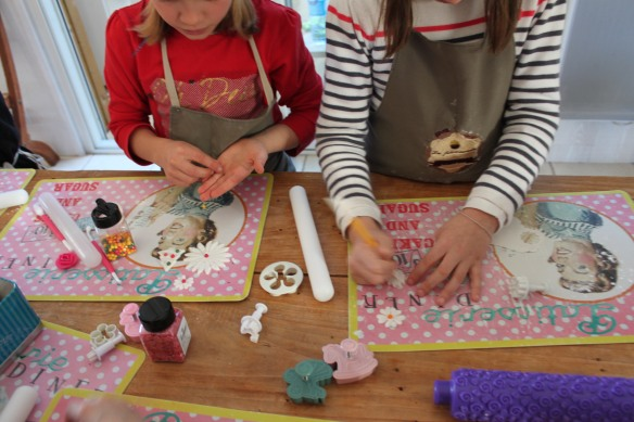 atelier cupcakes  la fabricamania lego friends mauve rose