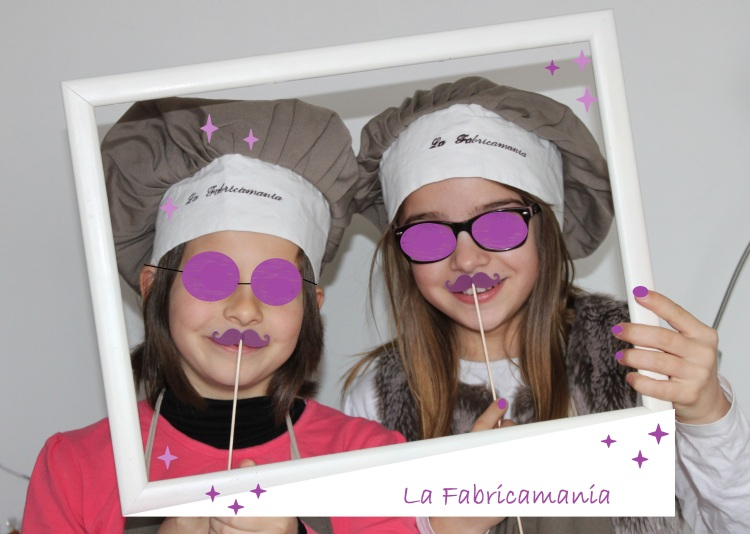 Fabricamania photobooth moustache