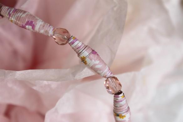 bijoux perles de papier