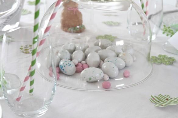 table de pâques jolie décoration lapin  easter