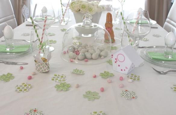 table de paques jolie décoration lapin