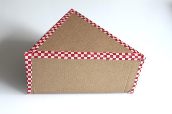 diy cr ation d une pinata pour un anniversaire tr s festif la fabricamania. Black Bedroom Furniture Sets. Home Design Ideas