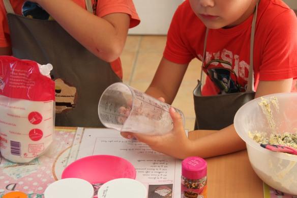 10-14-atelier cupcakes-nolly-arsac-fete anniversaire (11)