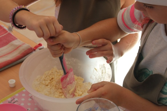 10-14-atelier cupcakes-nolly-arsac-fete anniversaire (14)
