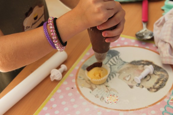 10-14-atelier cupcakes-nolly-arsac-fete anniversaire (42)