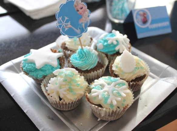 11-14-atelier-cupcakes-reine des neiges- (43)