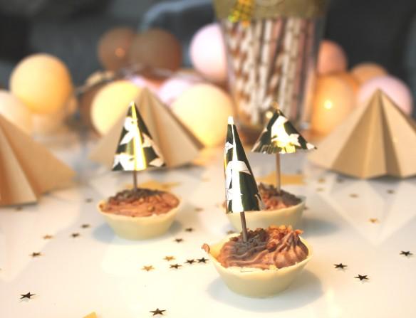 diy parasol dorés pour mousse au chocolat (4)