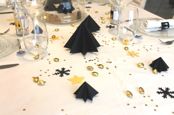 Table de noël - noir-or-Fabricamania (17)