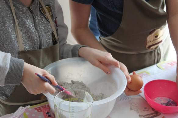 03-15-atelier-cupcake-reine-des-neiges (23)
