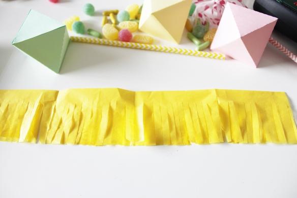 DIY-tuto-pinata-paille-sucette (20)