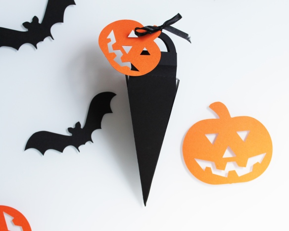 boite-bonbons-halloween-citrouille-noir-orange