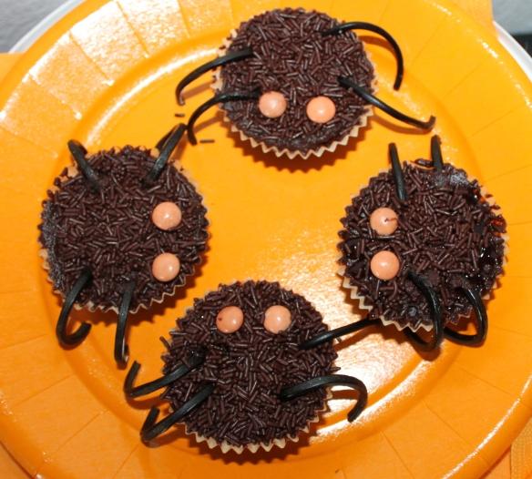cupcakes-halloween-araignee-fantome (1)