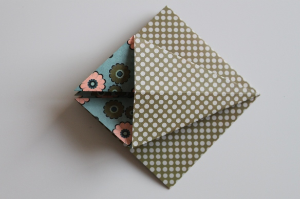 Diy for t de sapins en origami la fabricamania - Comment faire un sapin en origami ...