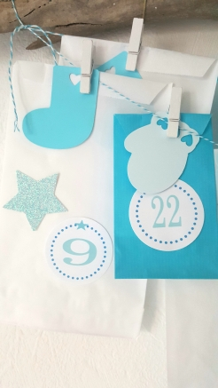 calendrier-avent-noel-surprise-noel-enfant-cadeaux-turquoise-frozen-givre-fabricamania-pochette-numeros-1-24 (12)