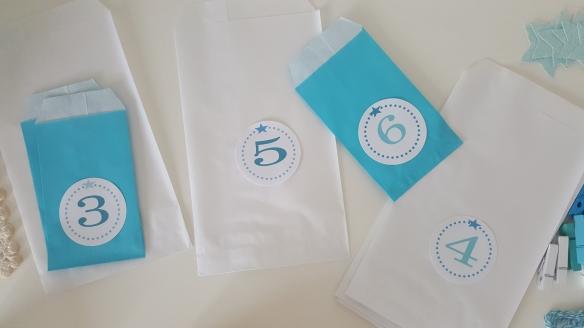 calendrier-avent-noel-surprise-noel-enfant-cadeaux-turquoise-frozen-givre-fabricamania-pochette-numeros-1-24 (7)